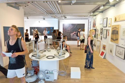 VIELZUVIEL - Vernissage, Galerie Baum auf dem Huegel, Berlin am 26.07.13